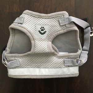 Medium Pet Harness with Leash